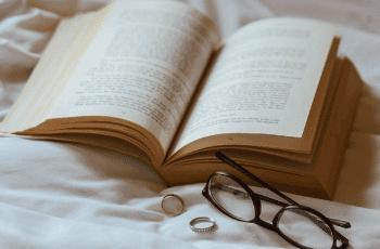 Santykių krizė Likimo knygoje